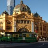 iStock_000001285641XSmall_Melbourne_Flinders St + tram